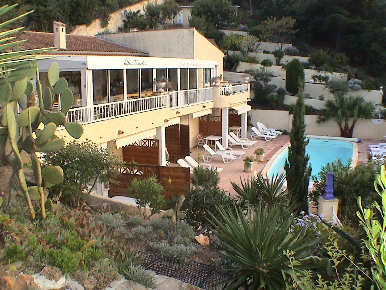 Villa tricoli une chambre d 39 hotes dans le var en for Chambre d hote dans le var
